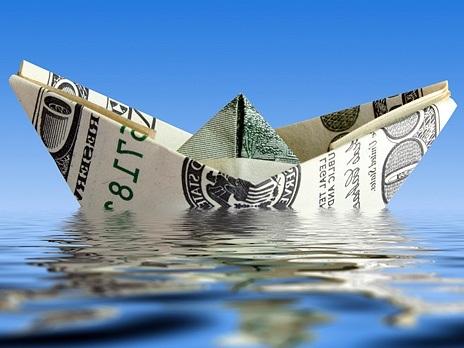 Центробанк зафиксировал рост до 21 миллиарда долларов чистого оттока капитала из России в январе-апреле